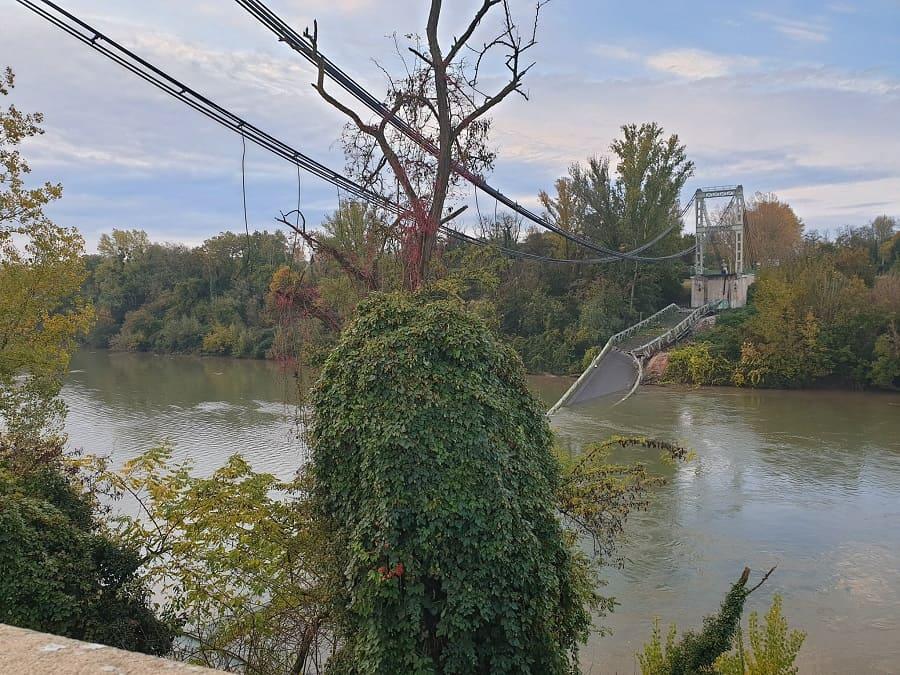 Обрушение моста во Франции