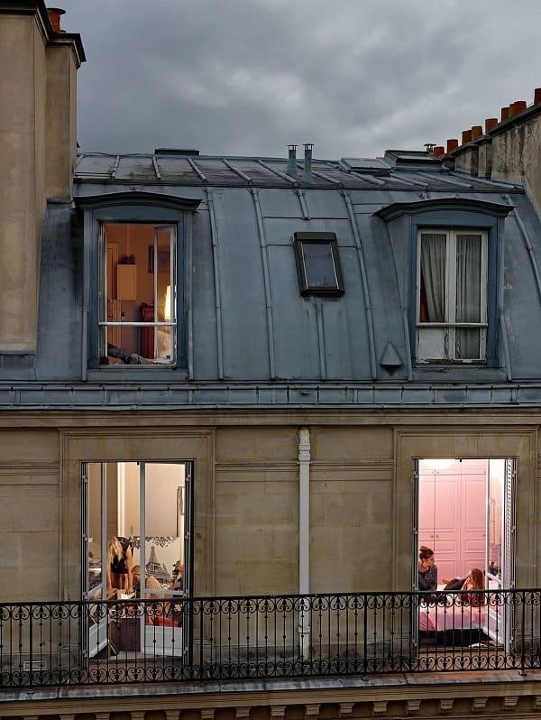 Париж напротив