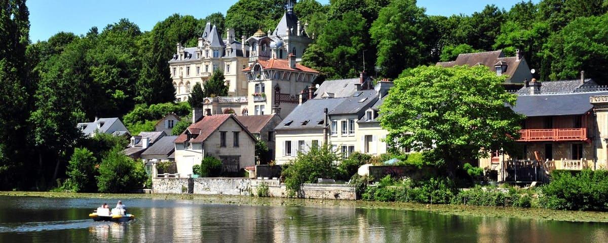 Во Францию